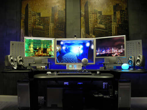 10 Best Multi-Monitor Mac Setups: gallery slide thumbnail 1