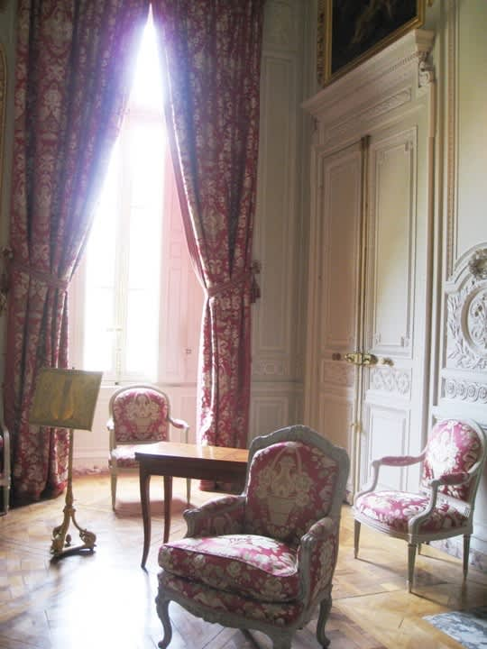 House Tour: Marie Antoinette's Petit Trianon: gallery image 13