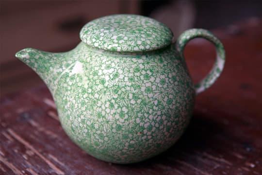 Lovely Porcelain by Samantha Robinson: gallery slide thumbnail 4