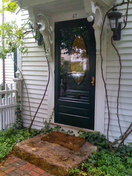10 Front Doors in Ptown: gallery slide thumbnail 4