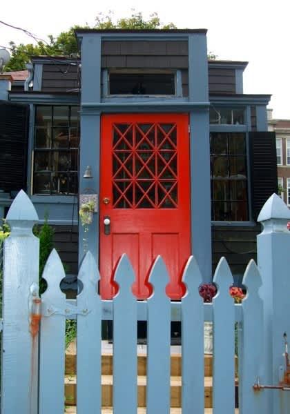 10 Front Doors in Ptown: gallery slide thumbnail 5