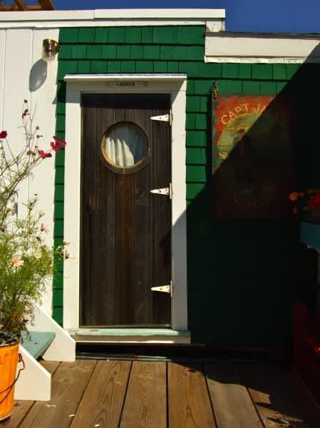 10 Front Doors in Ptown: gallery slide thumbnail 9