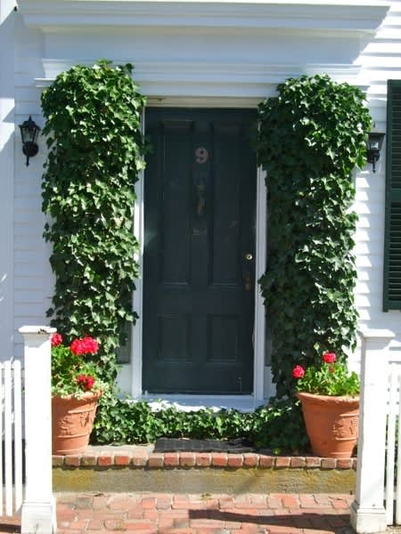 10 Front Doors in Ptown: gallery slide thumbnail 2