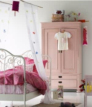 Easy Bedroom UpdatesCanadian Family: gallery slide thumbnail 5