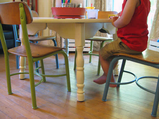 Craigslist Makeover: Play Table and Chairs: gallery slide thumbnail 1