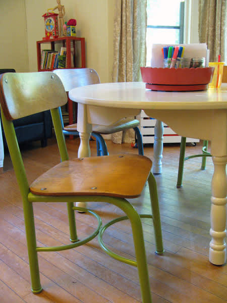 Craigslist Makeover: Play Table and Chairs: gallery slide thumbnail 3
