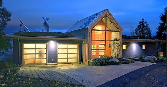 Donna & Riley's Zero Energy Idea House: gallery slide thumbnail 10