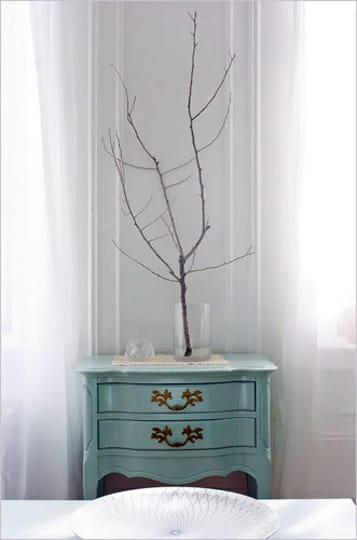 Bringing the Outside In: Decorating With Branches: gallery slide thumbnail 4