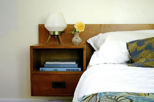 8 Real Bedrooms Where Simplicity Reigns: gallery slide thumbnail 8
