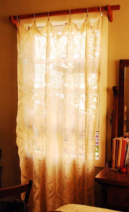 Easy DIY: Turn Tablecloths Into Curtains: gallery slide thumbnail 4