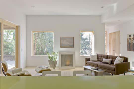 Modern & Green: Family Lake House by ZeroEnergy Design: gallery slide thumbnail 5