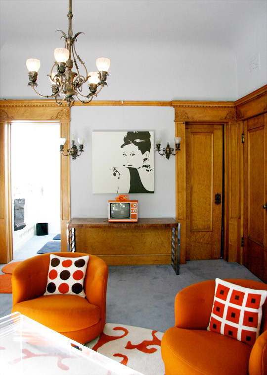 Polly's Charming Apartment in a Historic Mansion: gallery slide thumbnail 3