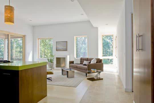 Modern & Green: Family Lake House by ZeroEnergy Design: gallery slide thumbnail 9