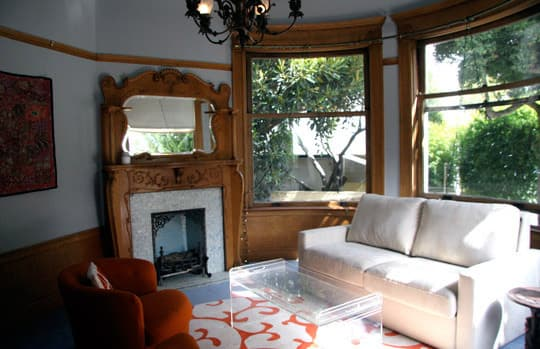 Polly's Charming Apartment in a Historic Mansion: gallery slide thumbnail 40