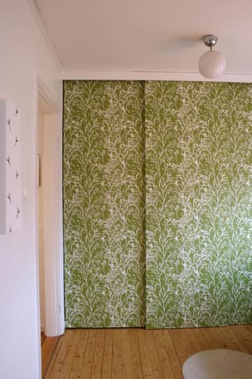 4 Ways to Reuse Wallpaper: gallery slide thumbnail 1