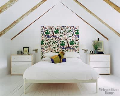 A Great Look: White Walls & Big Art in the Bedroom: gallery slide thumbnail 1