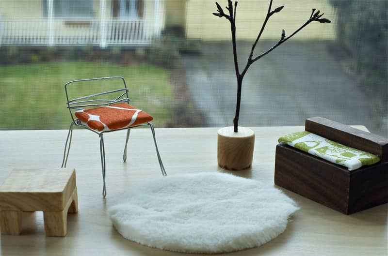 Modern Doll House and Furniture: gallery image 3