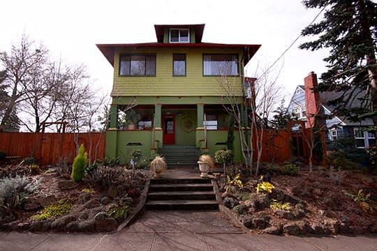 Trish's North Portland Nest: gallery slide thumbnail 2