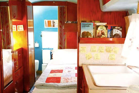 10 Small Space Solutions from Hotels: gallery slide thumbnail 6