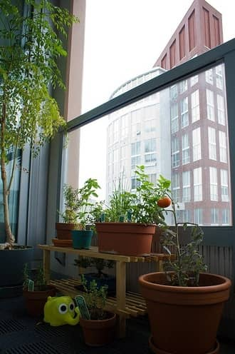 10 Ideas for Tiny Balconies: gallery slide thumbnail 9
