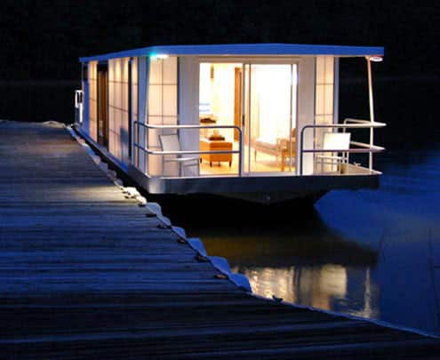 High-Style Houseboats: gallery slide thumbnail 1