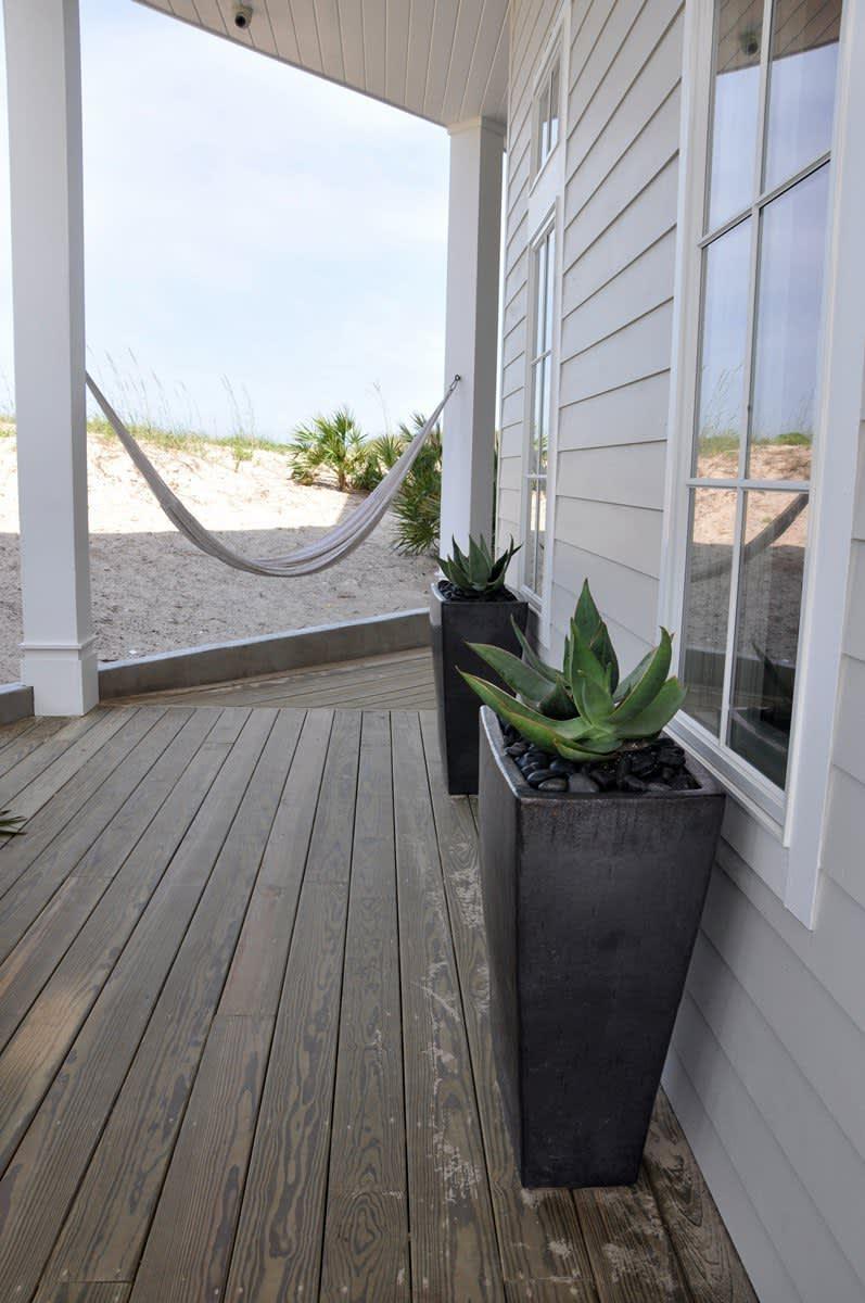 Beach House Beauty on the Texas Coast: gallery slide thumbnail 8