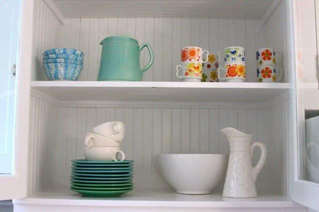 Alisha's Bright White Guest Cottage: gallery slide thumbnail 17