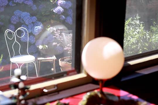 Brad, Lis & Meade's Light-Filled Bungalow: gallery slide thumbnail 22