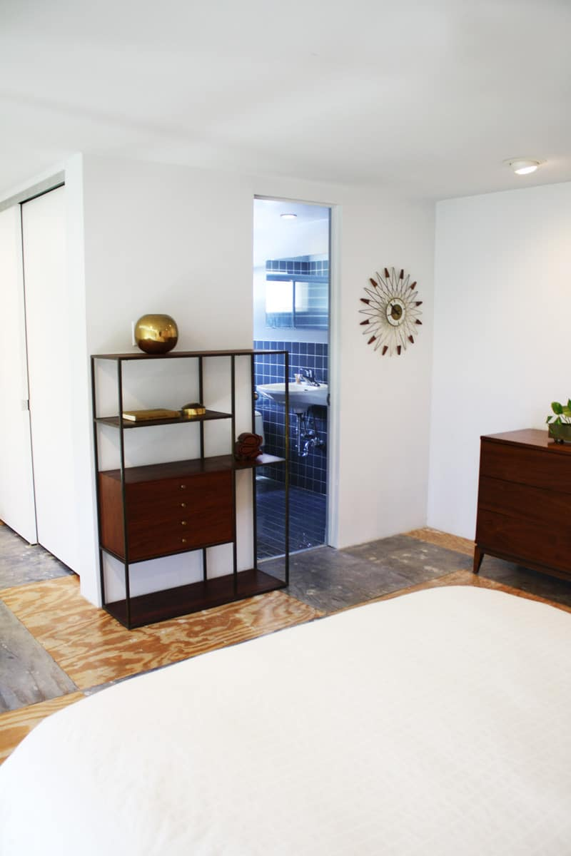 A Modern and Bright Austin Home: gallery slide thumbnail 25