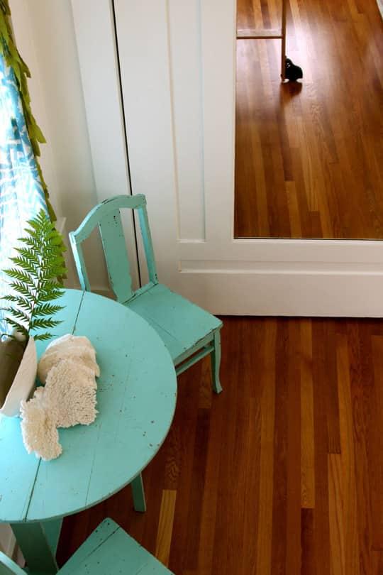 Alisha's Bright White Guest Cottage: gallery slide thumbnail 6