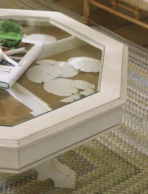 "Tasteful Display of ""Tacky"" Souvenirs: gallery slide thumbnail 1"