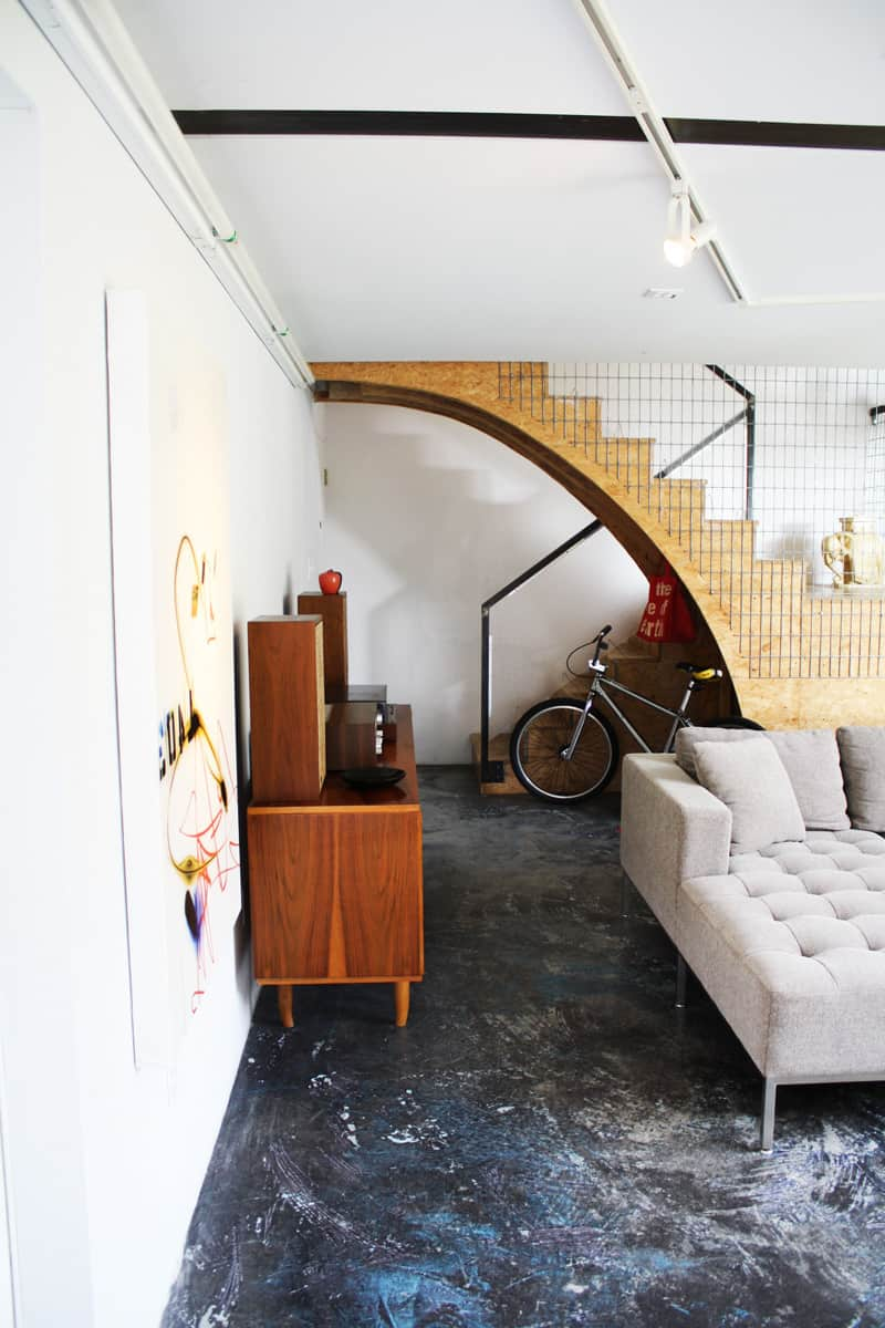A Modern and Bright Austin Home: gallery slide thumbnail 11