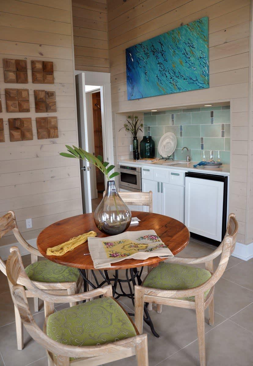 Beach House Beauty on the Texas Coast: gallery slide thumbnail 59