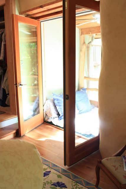 Bill & Beth's Sleeping Porch: gallery slide thumbnail 1
