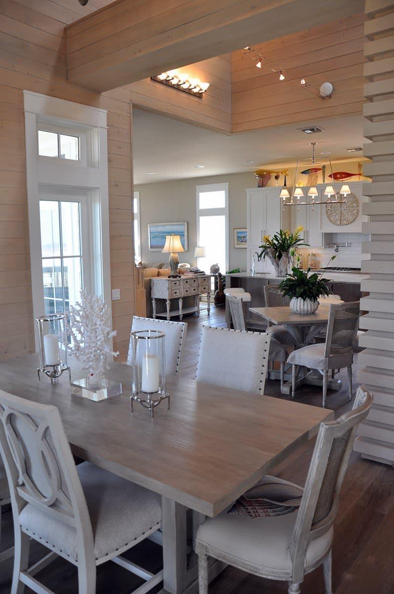 Beach House Beauty on the Texas Coast: gallery slide thumbnail 31