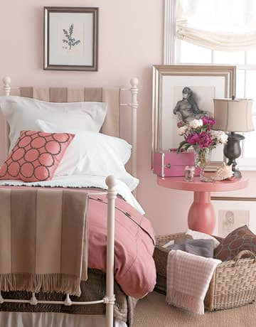 3 Easy Ways To Dress Up A Metal Bed Frame: gallery slide thumbnail 2
