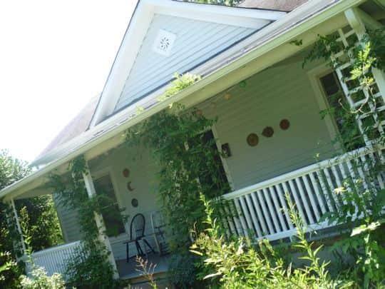 Linda & Steph's Eclectic Millhouse: gallery slide thumbnail 22