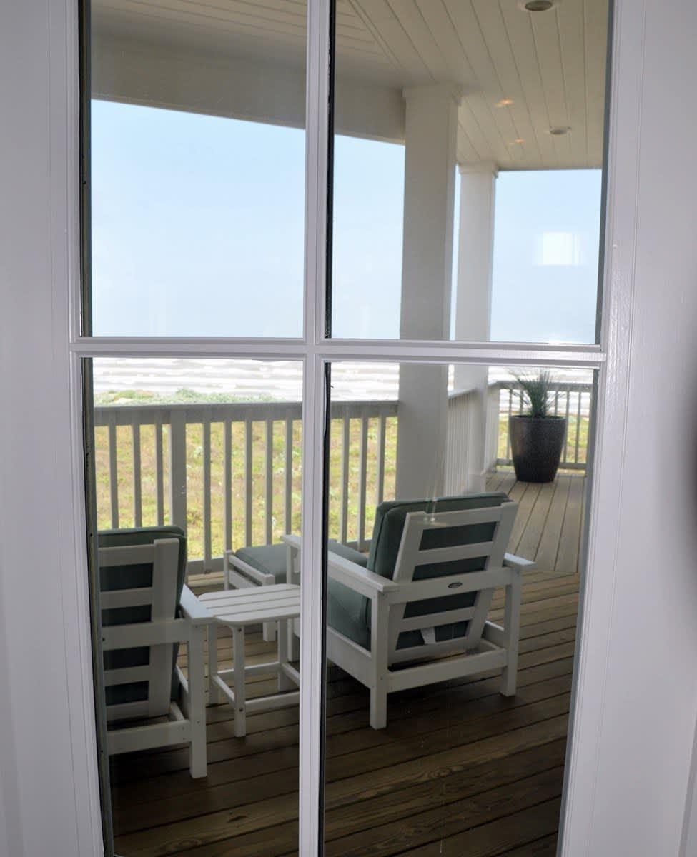 Beach House Beauty on the Texas Coast: gallery slide thumbnail 42