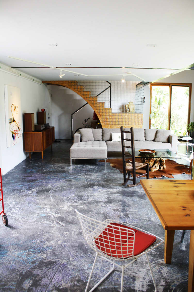 A Modern and Bright Austin Home: gallery slide thumbnail 15