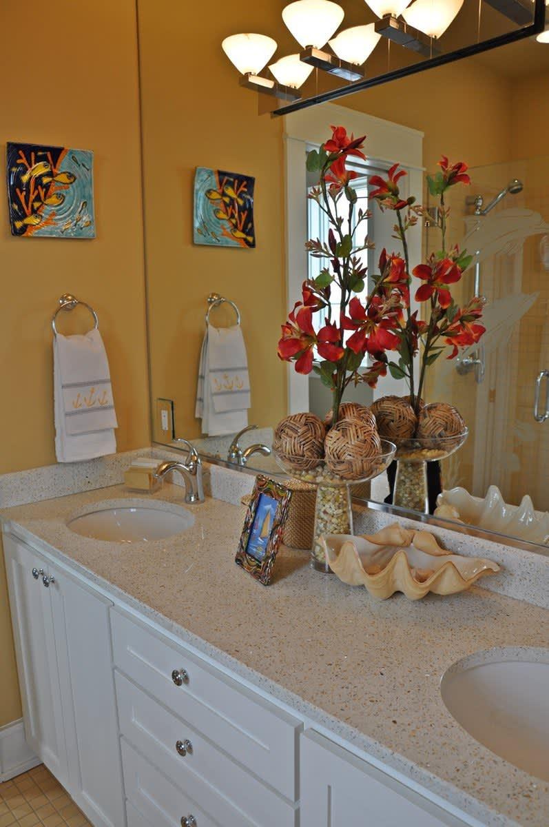 Beach House Beauty on the Texas Coast: gallery slide thumbnail 3