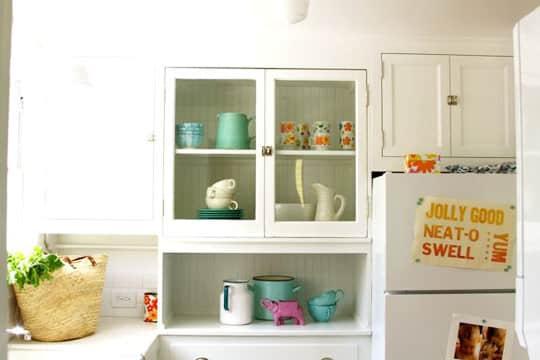 Alisha's Bright White Guest Cottage: gallery slide thumbnail 22