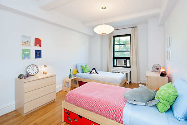 Laurie's East Village Home: gallery image 1