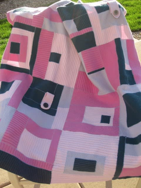 Getting Cozy: Sweater Inspired Throw Blankets: gallery slide thumbnail 7