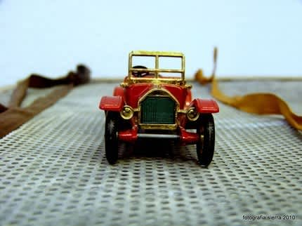 Vintage Toys: Playful Decoration: gallery slide thumbnail 1
