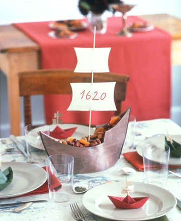 Inspiration: Beautiful Centerpieces for Your Holiday Table: gallery slide thumbnail 13