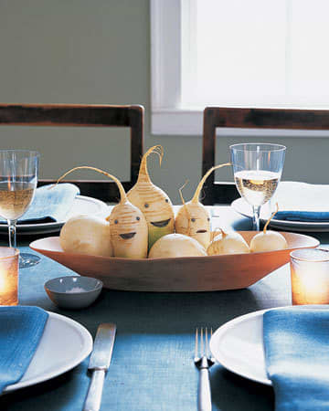 Inspiration: Beautiful Centerpieces for Your Holiday Table: gallery slide thumbnail 15