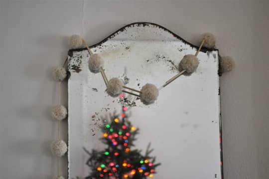 Go For The Gusto Garland: 10 DIY Ideas: gallery slide thumbnail 9