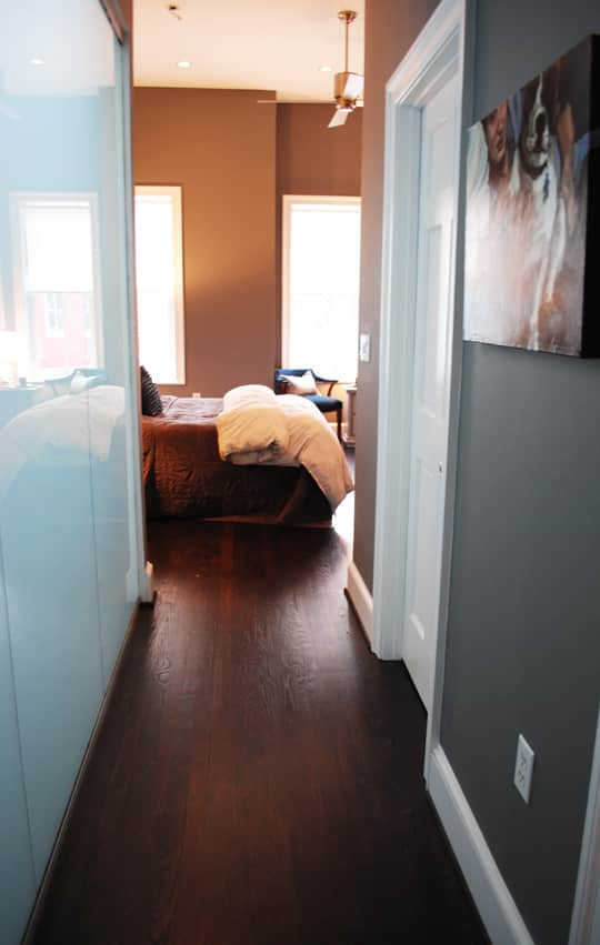 Ralph and Drew's Comfortably Current Townhome: gallery image 2