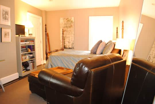 Ralph and Drew's Comfortably Current Townhome: gallery image 13