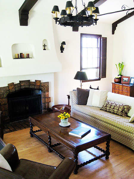 Living and Dining Room Inspiration from our Green Tours: gallery slide thumbnail 5